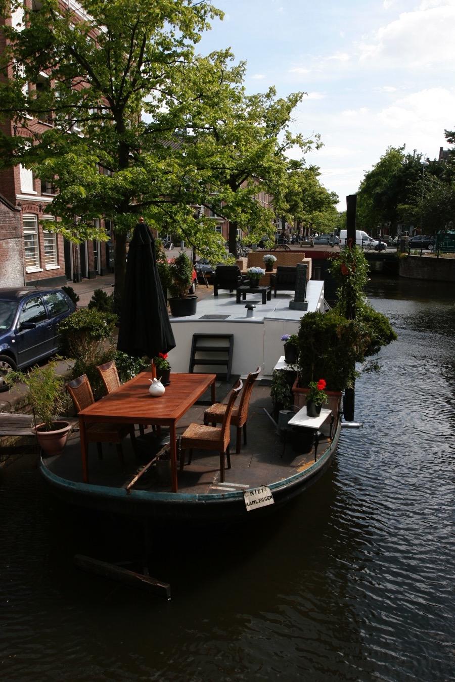 Long term houseboat rental Amsterdam
